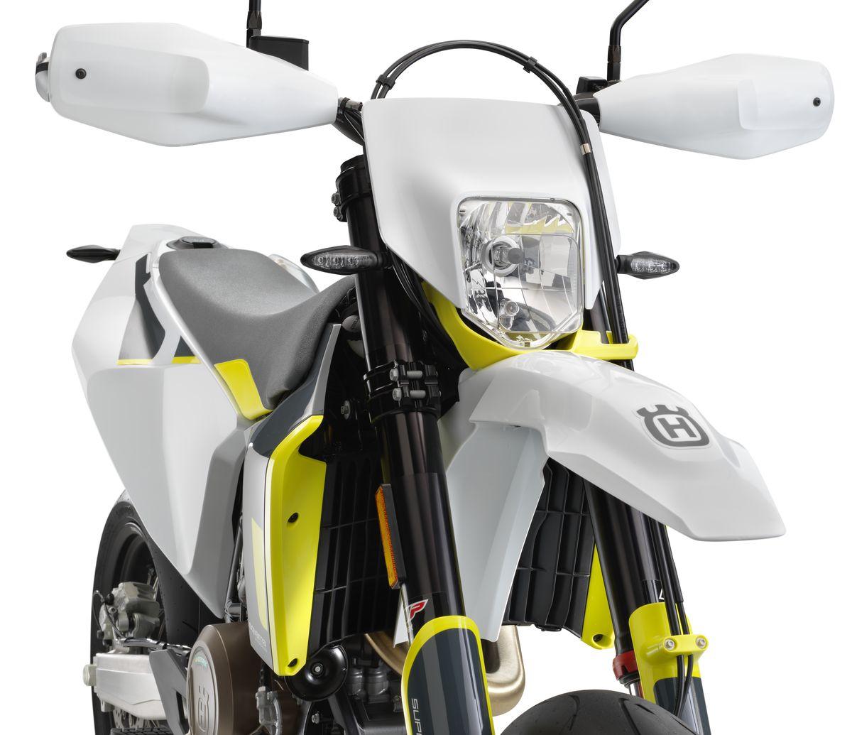 63561_701 Supermoto 2020